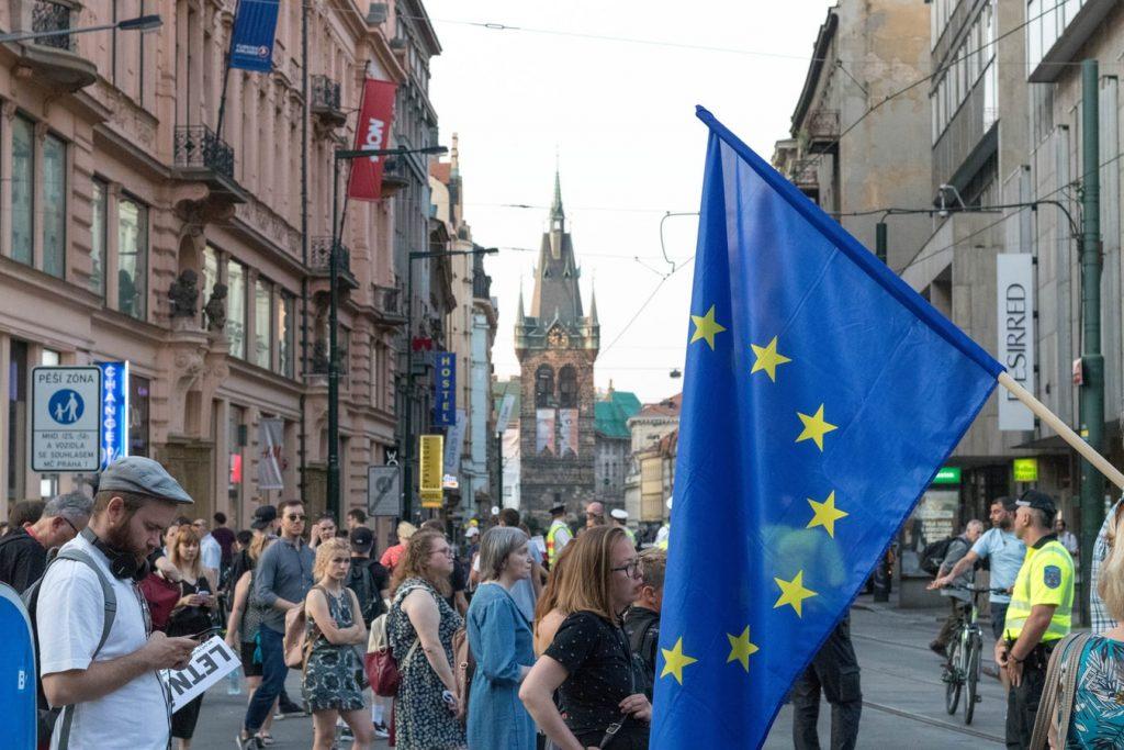 union-européenne-70%-population adulte-entièrement-vaccinée